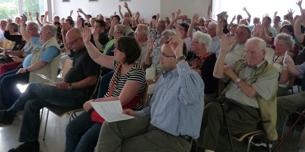 Gründungsversammlung im katholischen Pfarrzentrum (Juli 2013)
